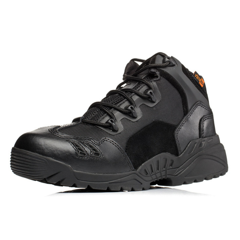 Male Outdoors Camping Anti-wear Rapid Response Hiking Shoes